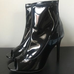 🆕🖤Michael Antonio Black Patent Leather Bootie
